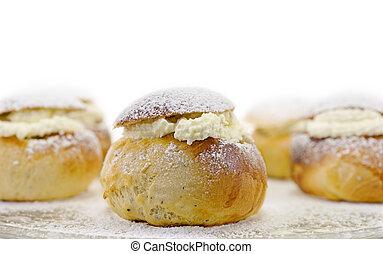 瑞典語, 復活節, 小圓麵包