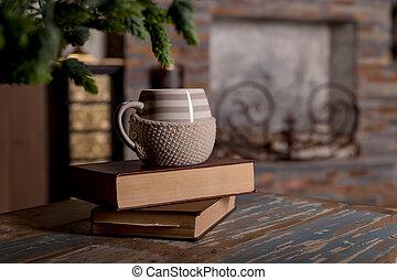 甘い, 瞬間, の, リラックス, ∥で∥, 本, そして, a, カップ, の, coffee., 型, 本, ガラス, 椅子, library.vintage, 古書, 上に, 木甲板, tabletop, ∥で∥, コーヒーのカップ