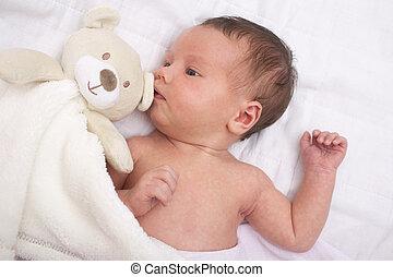生まれたての赤ん坊, テディ