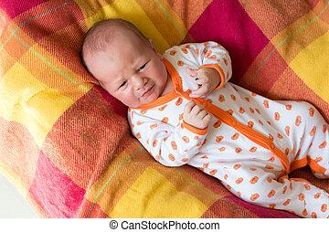 生まれたての赤ん坊, 愛らしい, 叫ぶこと