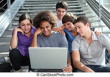 生徒, 大学, ラップトップ・コンピュータ, グループ