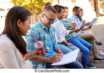 生徒, 幸せ, ノート, グループ, 飲み物