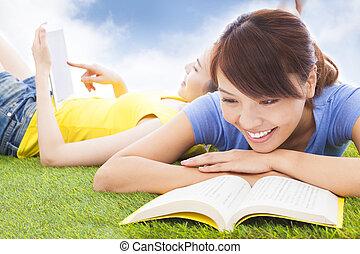生徒, 本, かなり, 牧草地, 微笑, あること