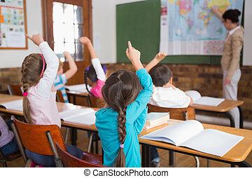 生徒, 聞くこと, へ, ∥(彼・それ)ら∥, 教師, ∥において∥, 地図
