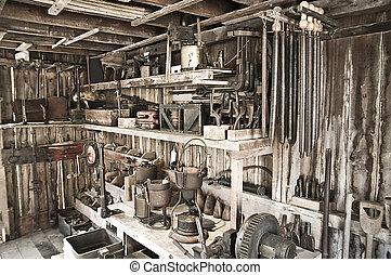 用具の小屋