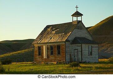 田園, 古い教会