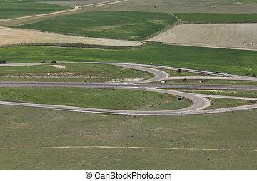 田舎, 概観, 十字路