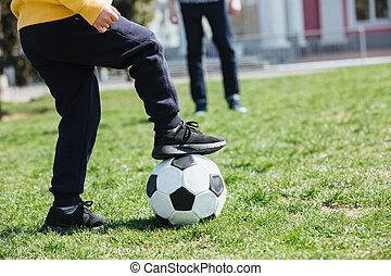 男の子, わずかしか, イメージ, フットボール, 切り取った, 遊び