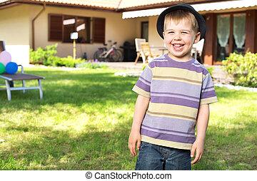 男の子, わずかしか, カメラ, 笑い, 幸せ