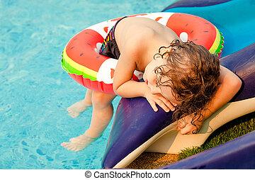 男の子, わずかしか, プール, 水泳