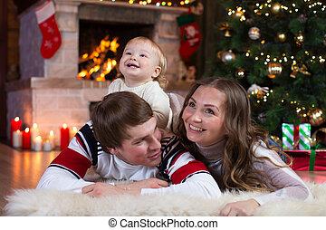 男の子, わずかしか, 冬, 家族, 父, -, ホリデー, 母, 赤ん坊, 遊び, クリスマス, 幸せ