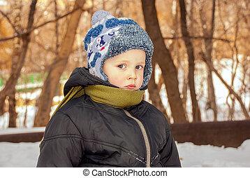 男の子, わずかしか, 冬, 屋外で