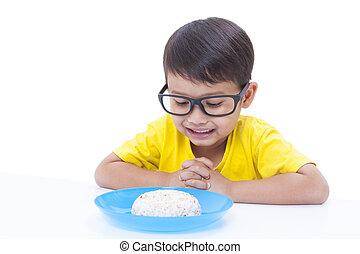 男の子, わずかしか, 祈ること, 食べること, 前に