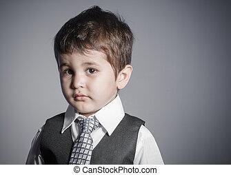 男の子, わずかしか, 面白い, 服を着せられる, 顔, 錯覚, brown-haired, ビジネスマン, スーツ, タイ, 表現