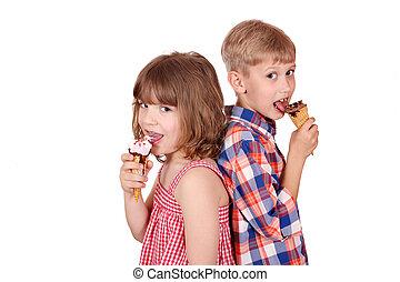 男の子, わずかしか, 食べること, 氷, 女の子, クリーム