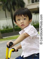 男の子, アジア人, 三輪車