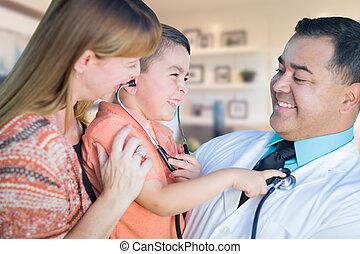 男の子, オフィス, 医者, 訪問, 若い, ヒスパニック, 母