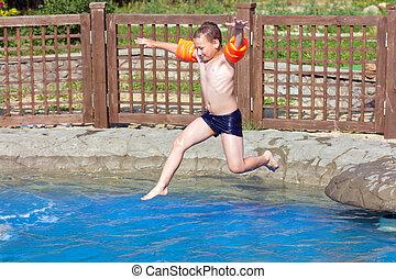 男の子, ジャンプする, プール