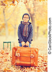 男の子, スーツケース