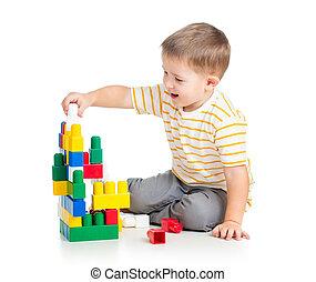 男の子, セット, 上に, 背中, 朗らかである, 建設, 子供, 白, 遊び