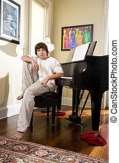 男の子, ティーンエージャーの, モデル, ベンチ, 瞑想的である, ピアノ