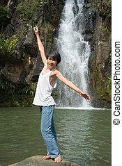 男の子, バランスをとる, ∥において∥, 滝