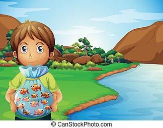男の子, フルである, 若い, プラスチック, 保有物, 魚, 川岸