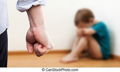 男の子, 上げられた, モデル, 壁, 怒る, 握りこぶし, 子供, コーナー, 上に, 人