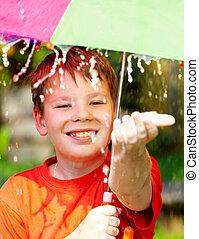 男の子, 下に, ∥, 傘, の間, a, 雨