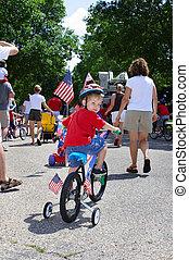 男の子, 乗馬, 彼の, 自転車, 中に, a, 近所, 7 月4日, パレード