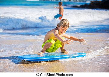 男の子, 休暇, 若い, 楽しみ, 浜, 持つこと, 幸せ