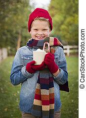 男の子, 外, 若い, 熱い ココア, 大袈裟な表情をしなさい, 暖かい, 保有物, 衣類
