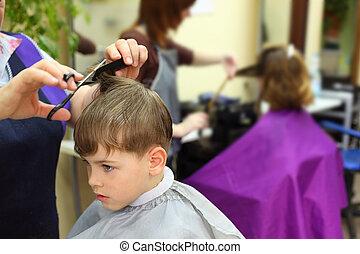 男の子, 大広間, hairdressing