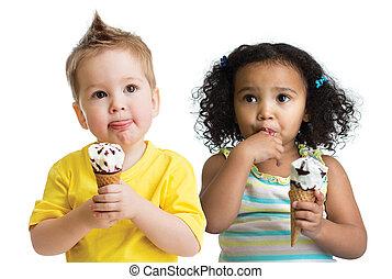 男の子, 子供たちが食べる, 隔離された, 氷, 女の子, クリーム