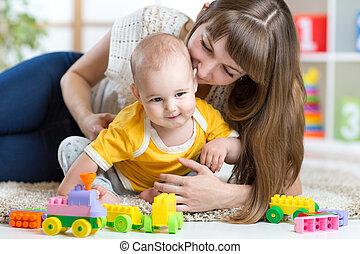 男の子, 子供, 母, 一緒に, おもちゃ, 家, 遊び
