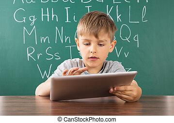 男の子, 学校, 使うこと, タブレット, デジタル