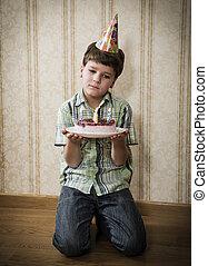 男の子, 床, 悲しい, 単独で, バースデーケーキ