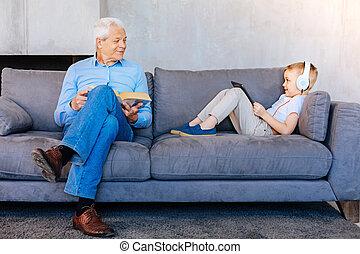 男の子, 彼の, 出費, 祖父, 気持が良い, 時間, すてきである