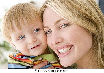 男の子, 微笑, 屋内, 若い, 母