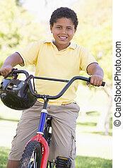 男の子, 微笑, 自転車, 若い, 屋外で