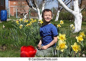 男の子, 微笑, 花