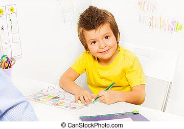 男の子, 着色, 形, ペーパー, 小さい, 微笑