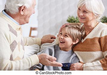 男の子, 祖父母