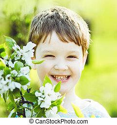 男の子, 花, 木。, 幸せ