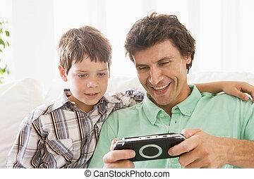 男の子, 若い, ハンドヘルド, ゲーム, 微笑の人