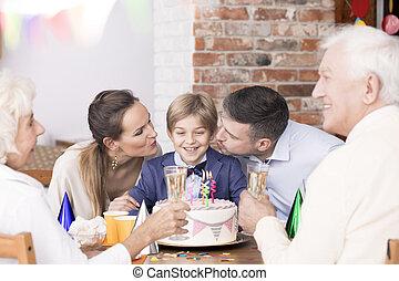 男の子, birthday, 家族, 祝う