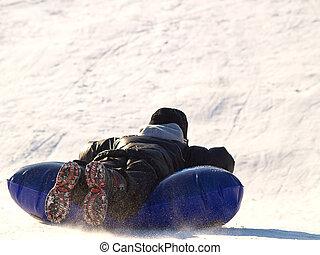 男の子, sledding