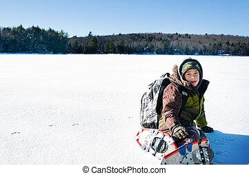 男の子, snowshoeing, 冬, 屋外で