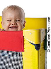 男の赤ん坊, 中に, 旅行する, 折畳み式ベッド