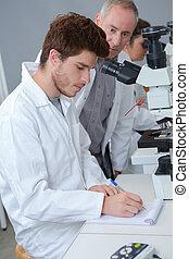 男子生徒, ∥で∥, 教師, 中に, 化学クラス